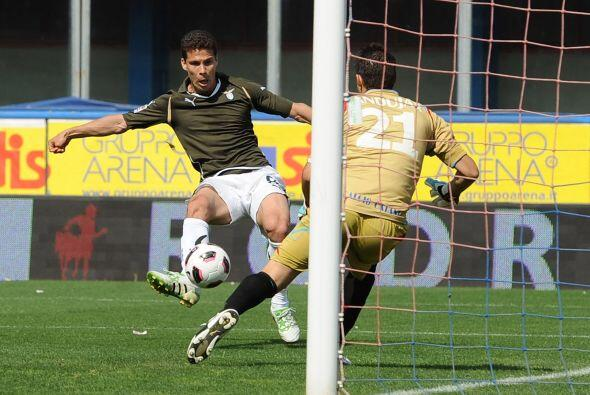 Sin embargo, al minuto 40 el brasileño Hernanes batió al portero Mariano...