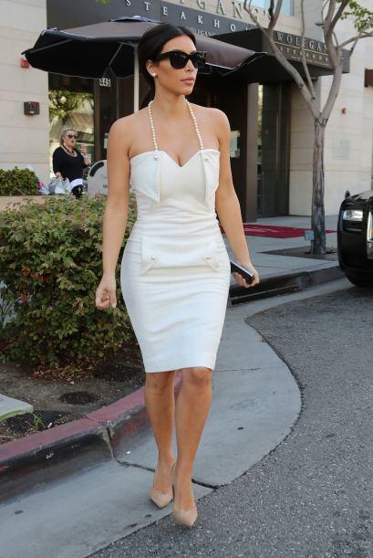 Antes de ser la señora West, Kim se paseó por Tailandia con sus hermanas...