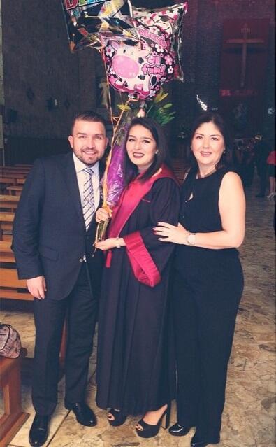 Ella es Yoselin Lizárraga, la hija de Poncho Lizárraga.