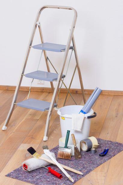 Primero lo primero. ¡Compra los materiales esenciales! Cinta de pintor y...
