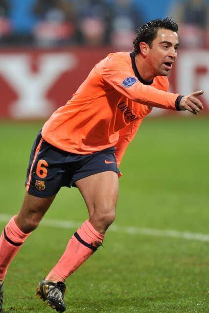 Xavi guió el toque magistral del Barcelona en su victoria 2-1 en...