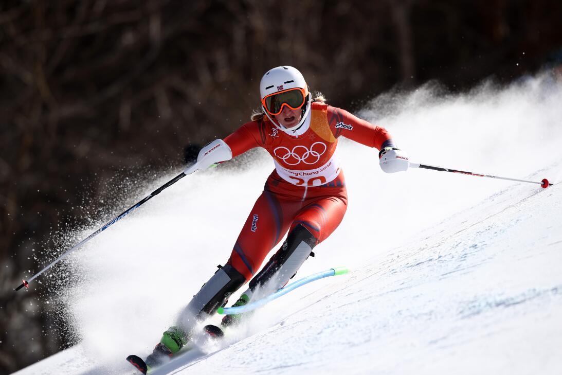 A pura velocidad, la noruega Maren Skjoeld en el slalom del esquí alpino.
