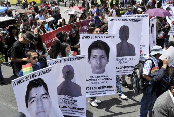 Todas ellas, con el objetivo de exigir la aparición de los 43 estudiante...