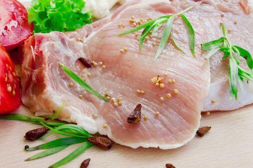 Plato fuerte: Lomo de cerdo en salsa de manzana Ingredientes:  Para el l...