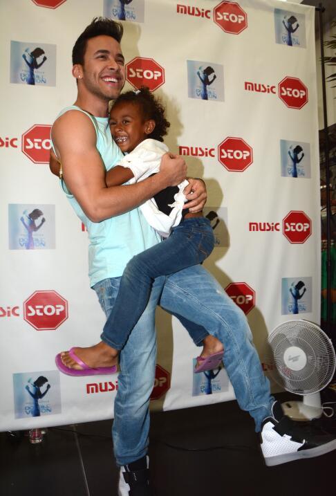Prince Royce promociona su álbum en Puerto Rico.