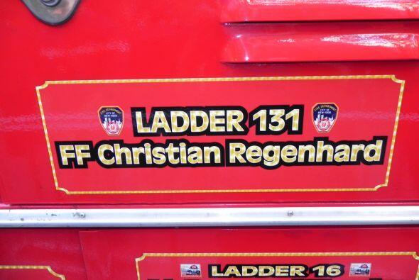 Carro bombero recuerda a sus caídos el 9/11 6ce5221ae4a34f9188ea843aa77f...