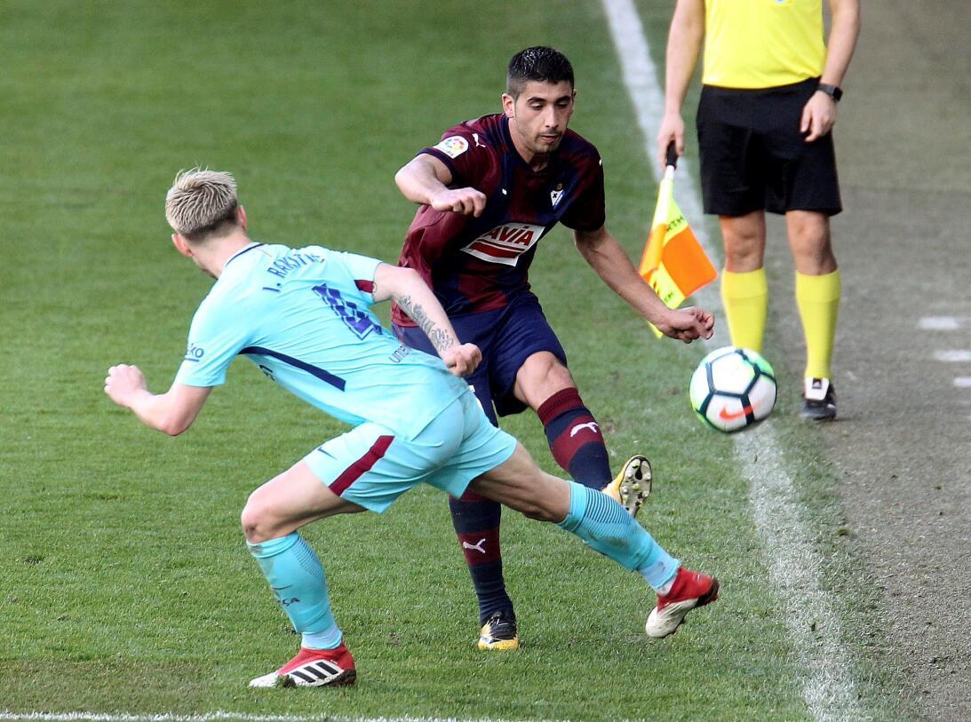 Barcelona gana 2-0 en Ipurúa y afila sus garras para visitar al Chelsea...