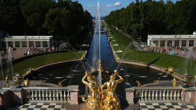 Conoce el palacio Peterhof: un lugar lleno de oro y gigantescos jardines que no olvidarás de Rusia