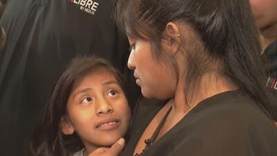 """""""Estoy agradecida con Dios"""": madre guatemalteca se reúne con su hija tras estar separadas durante dos meses"""