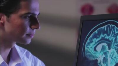 Realizan taller informativo para familiares y amigos de personas con Alzheimer