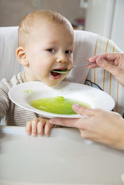 Los vegetales verdes como la acelga o la espinaca también son bue...