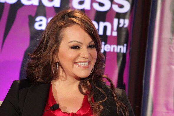 JENNY RIVERA- La cantante gasta mensualmente $2,500 en extensiones de ca...