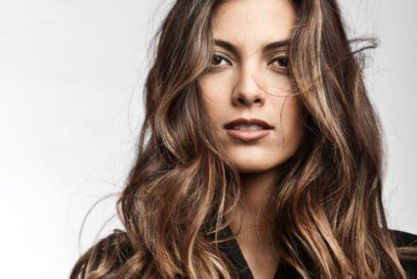 Es hija de Chiquinquirá Delgado y del cantante Guillermo Dávila.