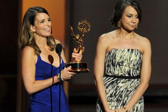 """Tina Fey obtuvo otro Emmy, ahora por escribir el capítulo final de """"30 R..."""
