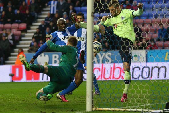 Wigan no bajó los brazos en busca del triunfo y cuando casi acababa el p...