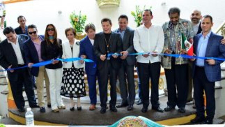 Julio César Chávez inaugura clínica contra las adicciones en Culiacán.