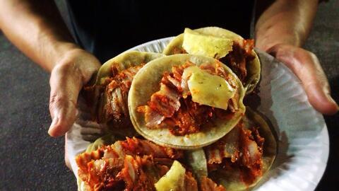 Tacos al pastor de Leo's taco truck en Los Ángeles, California