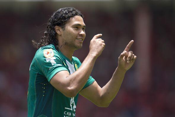 Los que se deben de consolidar en ésta nueva selección mexicana son Carl...