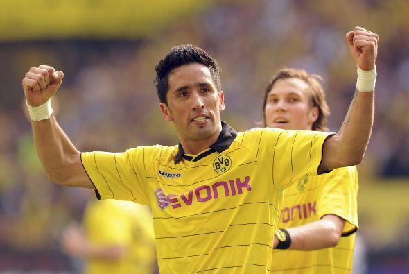 En julio de 2009 fue transferido al Borussia Dortmund por 6,5 millones d...