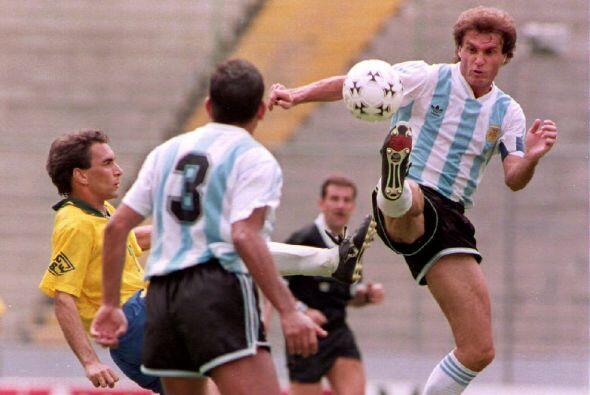 Otro argentino cuya garra se convertía con más frecuencia de la deseada...