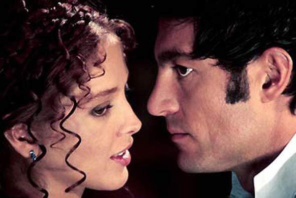 "Fernando Colunga tuvo su ""Amor Real"" en 2003. En esta telenovela produci..."