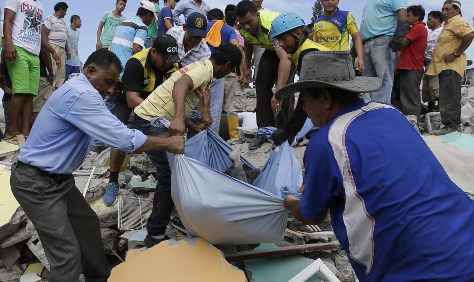 Las imágenes que nos deja el potente terremoto en Ecuador  ecuador28.jpg