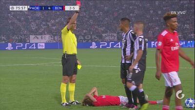 ¡Roja!: Leonardo deja al PAOK con diez