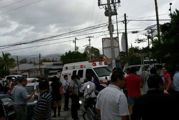 Sismo y fuerte lluvias azotan a Guerrero, México. Aún cuando no se han r...