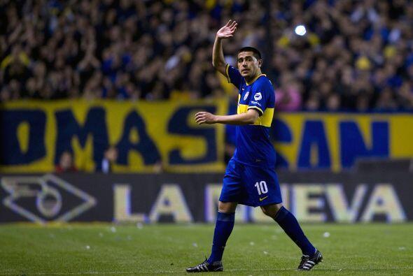El fútbol extrañará el juego de Juan Román, uno de los últimos ''10'' en...