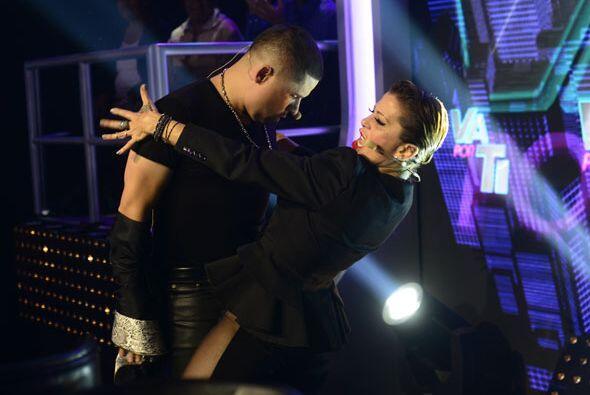 Para aligerar la tensión de la noche, los jueces de Va Por Ti bailaron s...