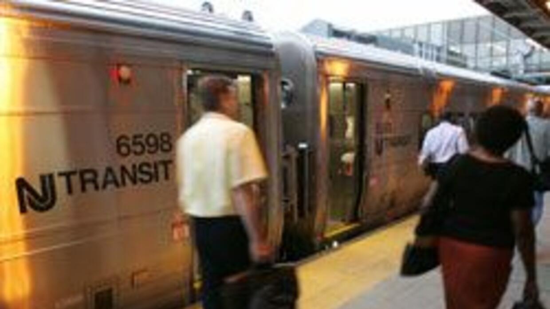 Director de NJ Transit advirtio de los proximos aumentos en el transport...