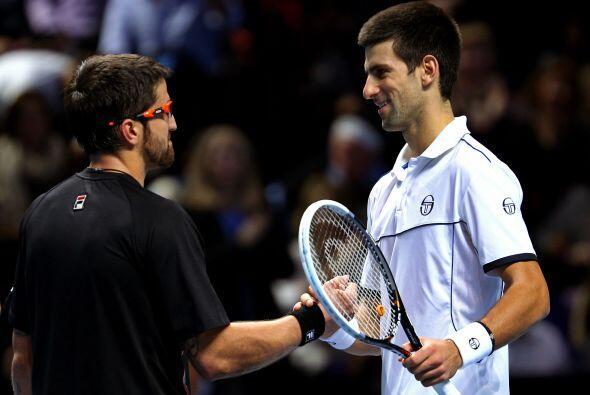 Djokovic perdió en tres sets por por 3-6, 6-3 y 6-3, en dos horas y siet...