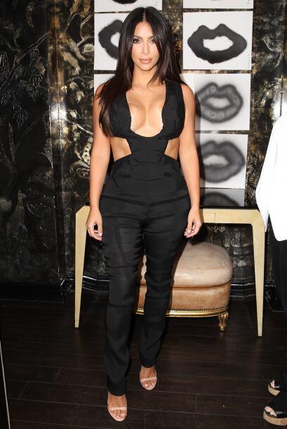 Si de escotes hablamos Kim Kardashian nos dejó sin palabras