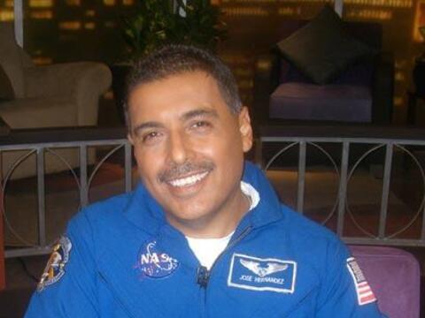 """El astronauta habla de su viaje al espacio en el transbordador """"Dis..."""