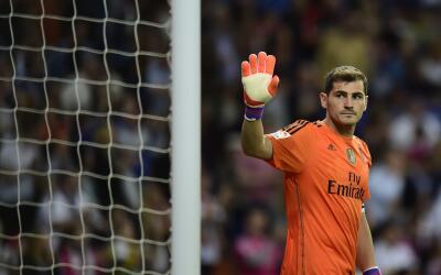 Casillas salió entre tímidos aplausos en lo que pudo ser s...