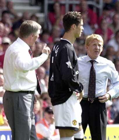 El estreno en el Manchester UnitedDos meses más tarde de su éxito en Tou...