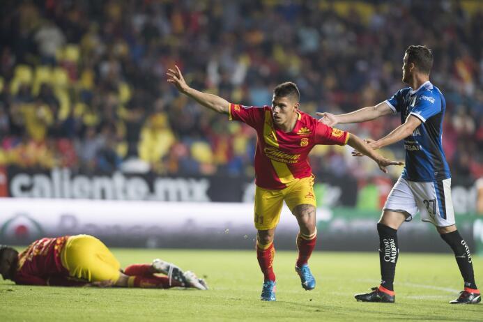 Gastón Lezcano de Morelia aprovechó un rebote al minuto 55 para inaugura...