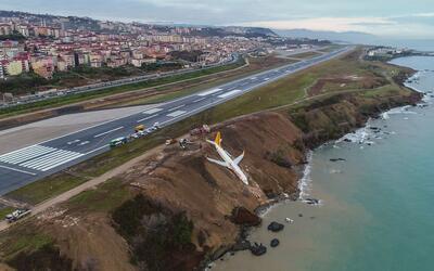 Avión militar venezolano se estrelló cerca de la frontera con Colombia g...