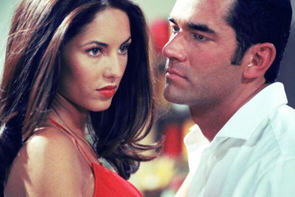 Rápidamente, Rubí se siente atraída por Alejandro y con el trato se enam...