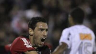 Newell's Old Boys venció 2-0 al Atlético Mineiro en el partido de ida po...