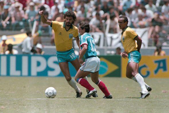 SOCRATES - El ex futbolista brasileño, ya fallecido en el año 2011, es,...
