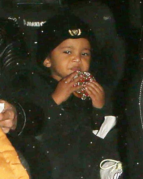 Saint, hijo de Kim Kardashian