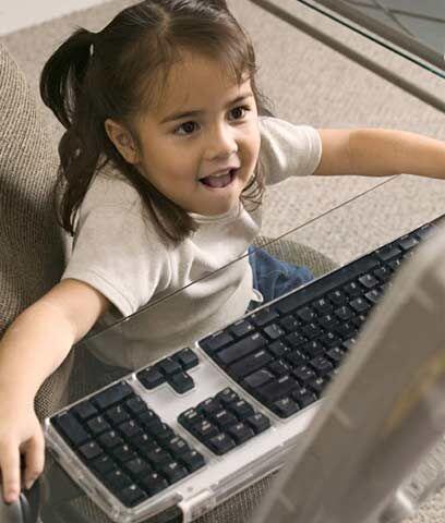 Profesor Virtual. Las herramientas tecnológicas sirven para ayudar a los...