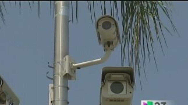 Controversia por cámaras en los semáforos