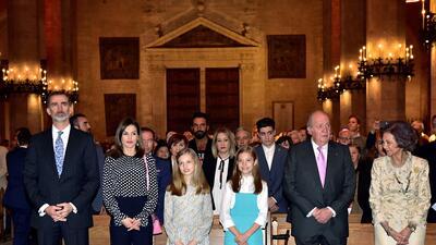 Las fotos que la familia real española sí se tomó al salir de la misa de Pascua