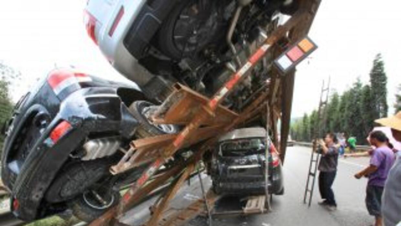 Un saldo de siete muertos y 10 heridos dejaron accidentes en carretera e...
