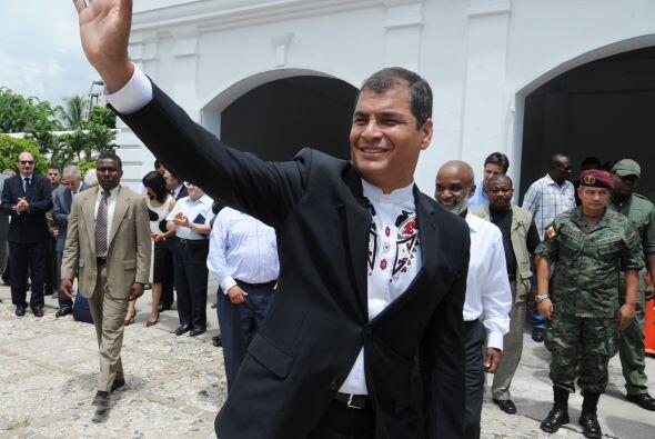 Correa visitó la Compañía de Ingeniería Combinada Ecuador-Chile, en el c...