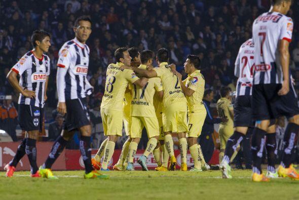 Con dos goles de Luis Ángel Mendoza y un autogol de Efraín Velarde, Amér...