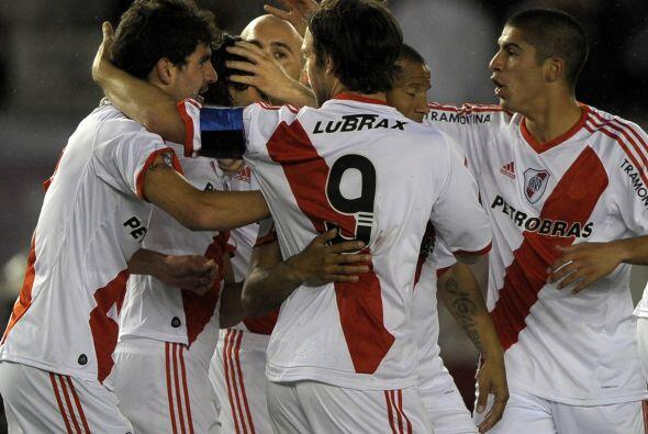 Si, es River Plate, si, el grande del fùtbol argentino juega en segunda...