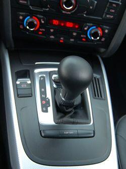 La transmisión automática de seis velocidades se puede usar en forma sec...
